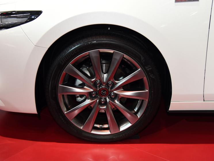 Mazda 3 100th Anniversary Special Edition презентована на Пекінському автосалоні