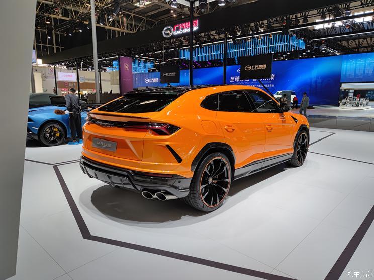 Спецверсия люксового кроссовера Lamborghini Urus Graphite Capsule презентована в Пекине