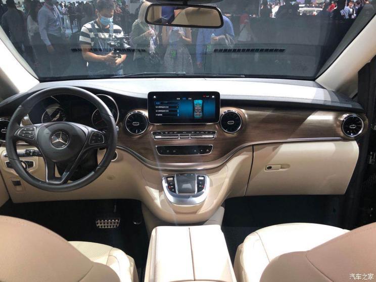 Mercedes-Benz офіційно презентував новий V-Class