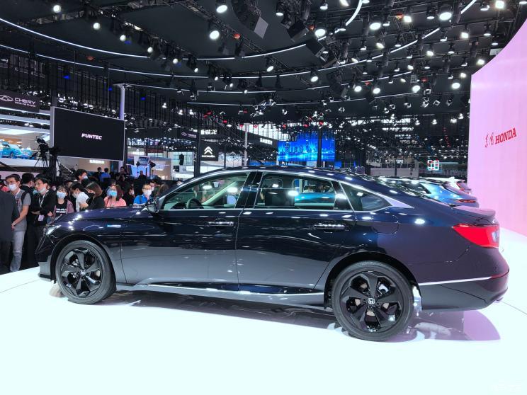 На автошоу в Пекине представлена лимитированная Honda Accord Star Limited Edition