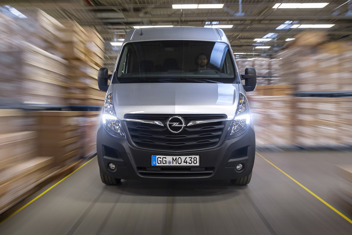 Комерційна лінійка Opel укомплектована - найбільший комерційний фургон Бренда Movano вже їде в Україну