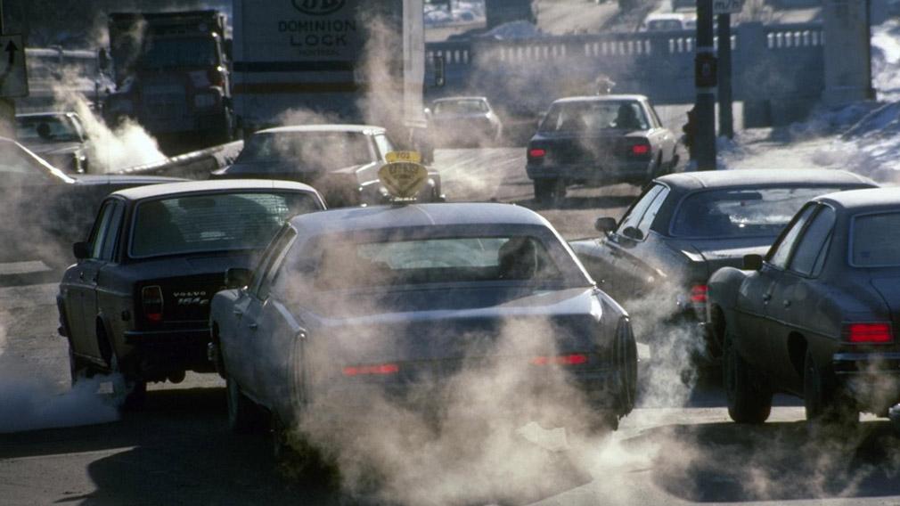 У Калифорнии запретят продaжу новых грузовых и легковых машин с бензиновыми и дизельными моторами