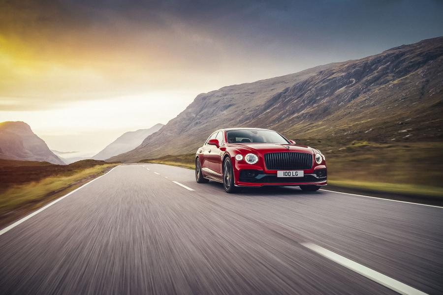 Bentley представила «легкий» Flying Spur з мотором V8