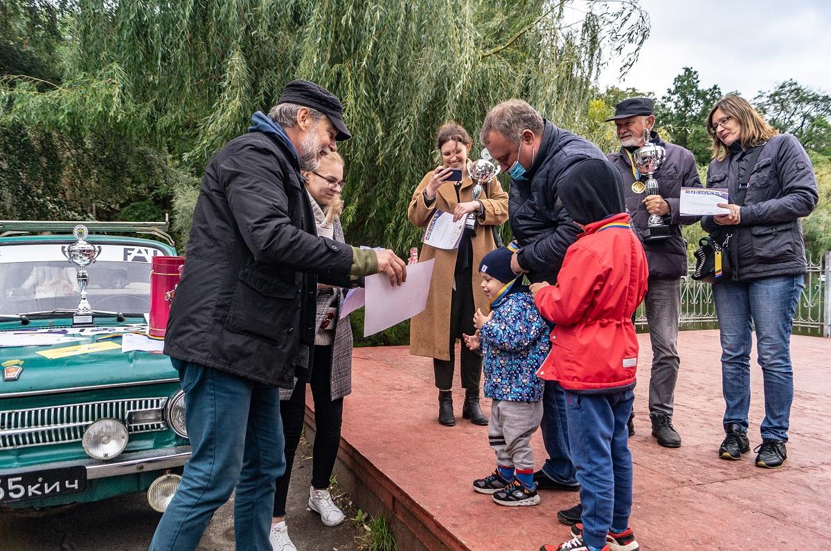 В Києві відбулося ретро-шоу «Автомоторне Шоу Осінь Золота»
