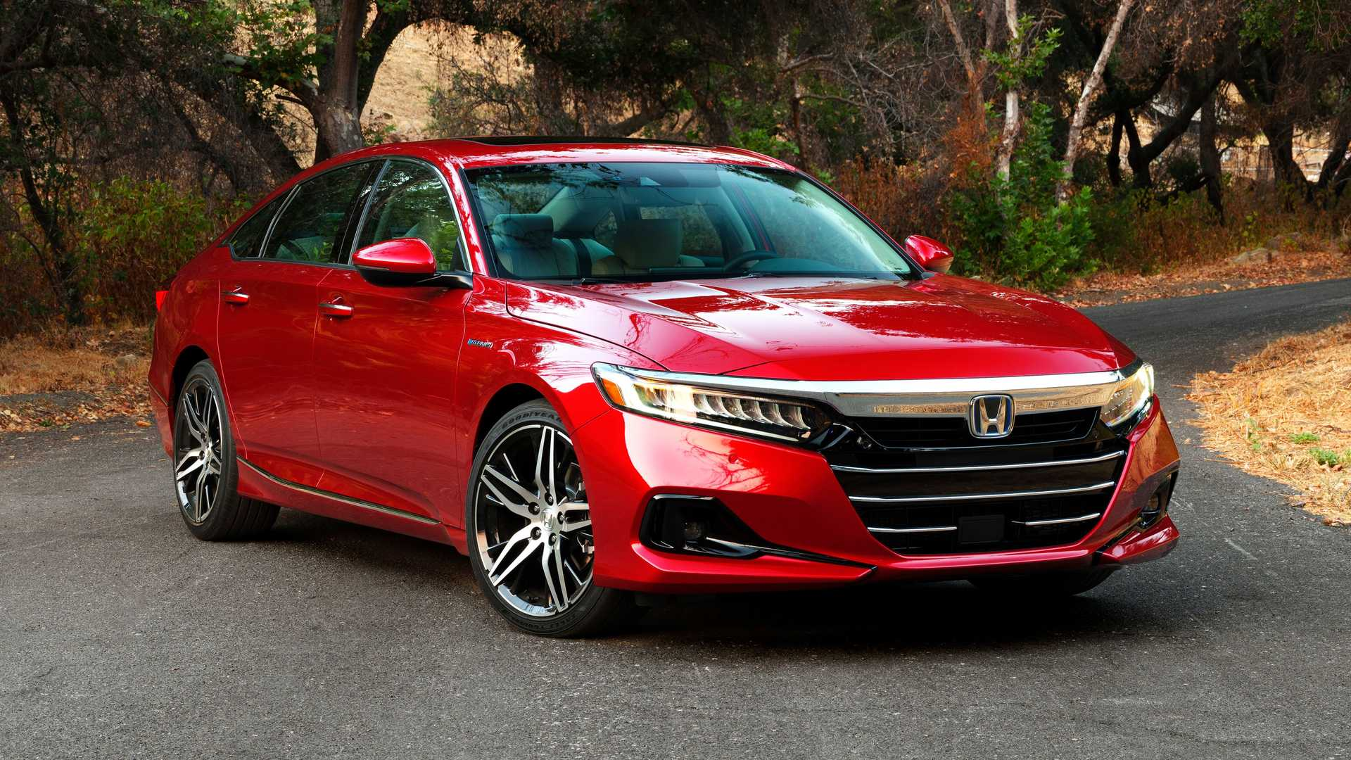 Honda пересмотрела Accord обновленный дизайн и добавили технологий