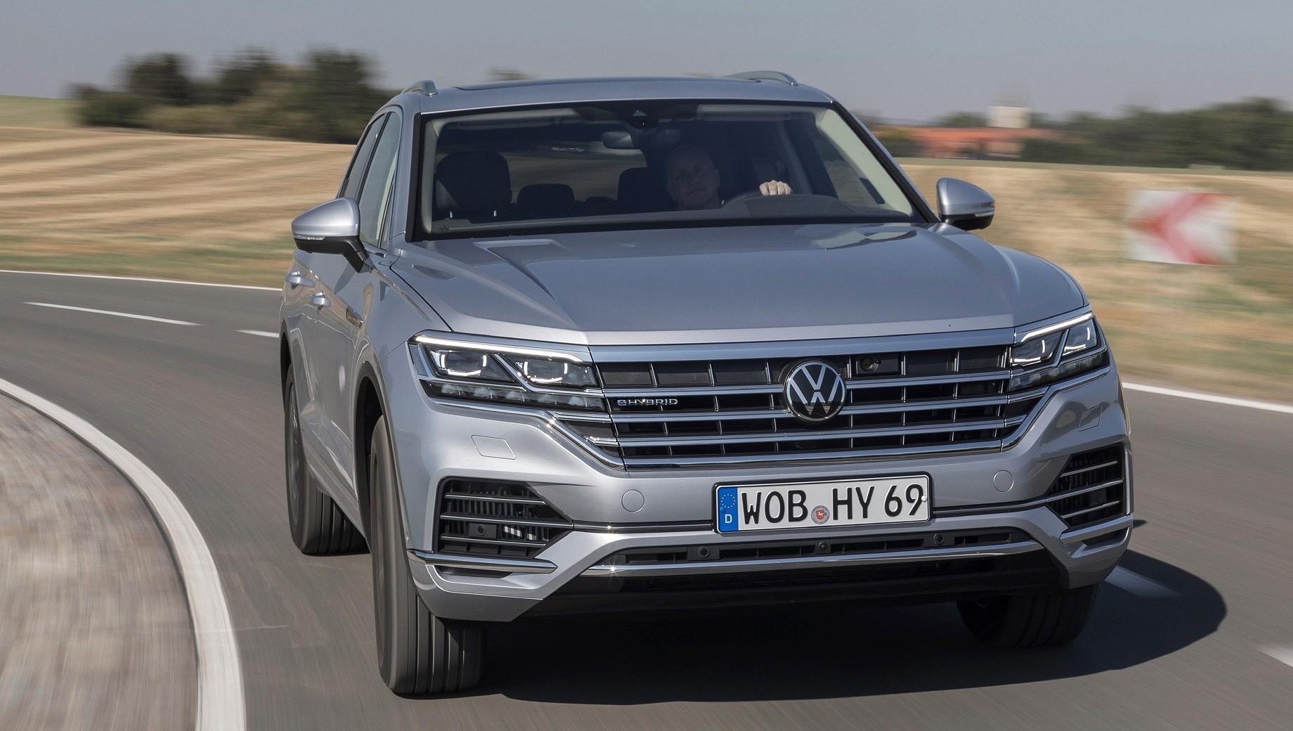 Volkswagen Touareg выпустил две новых гибридных модификации