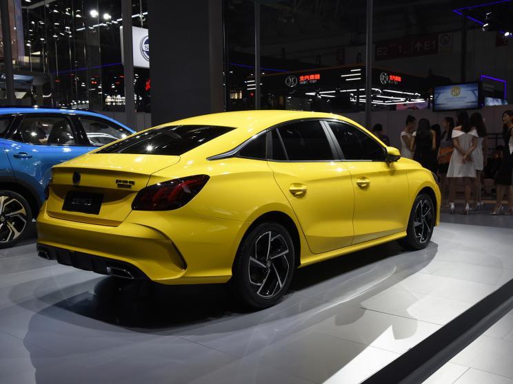 На Пекінському автосалоні було офіційно представлений абсолютно новий MG 5