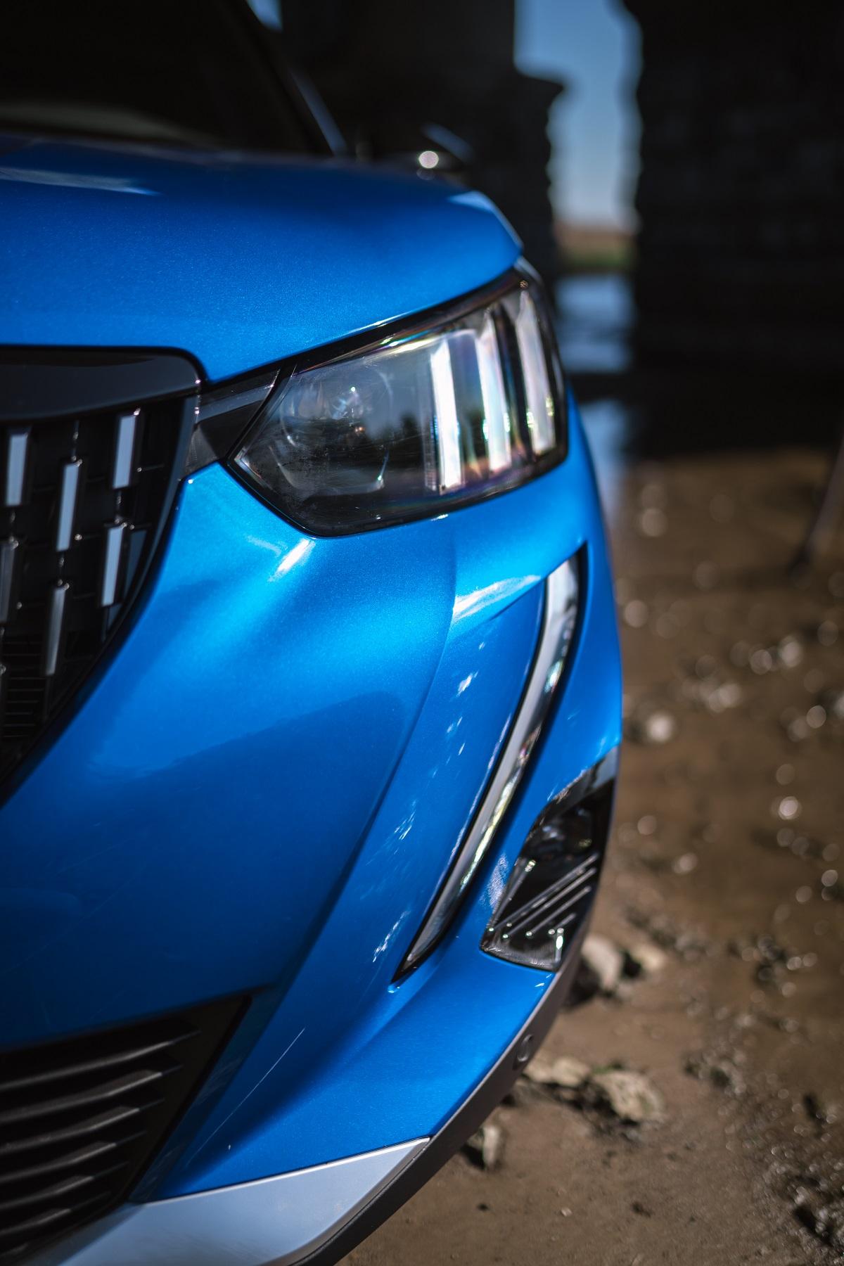 Новий Peugeot 2008 впевнено піднімається на вершину і виривається у фінал AutoBest 2021