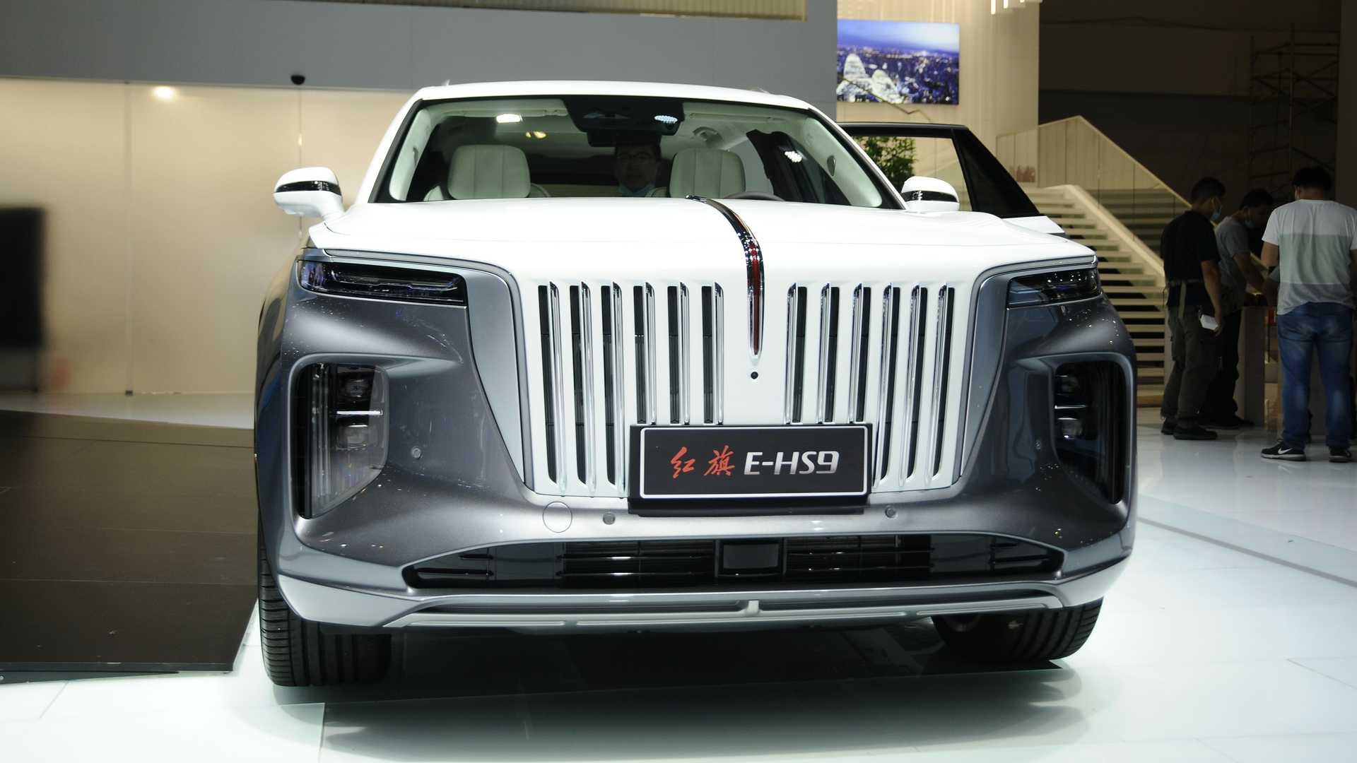 В Пекине представили кроссовер Hongqi похож на Rolls-Royce Cullinan