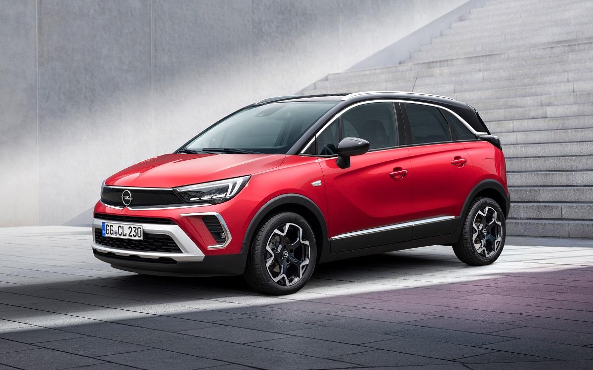 Opel Crossland 2021 модельного року отримує нове фірмове обличчя Бренду