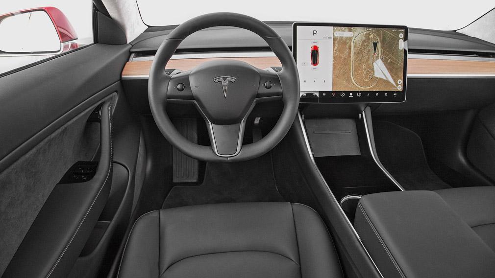 Tesla офіційно представив рестайлінговий варіант Model 3