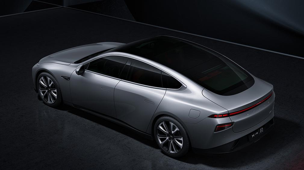 Китайський електричний седан Xpeng P7 б'є рекорди продажів
