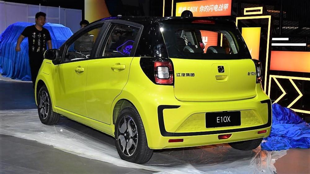 Презентация электрокара JAC Sihao E10X на автосалоне в Гуанчжоу