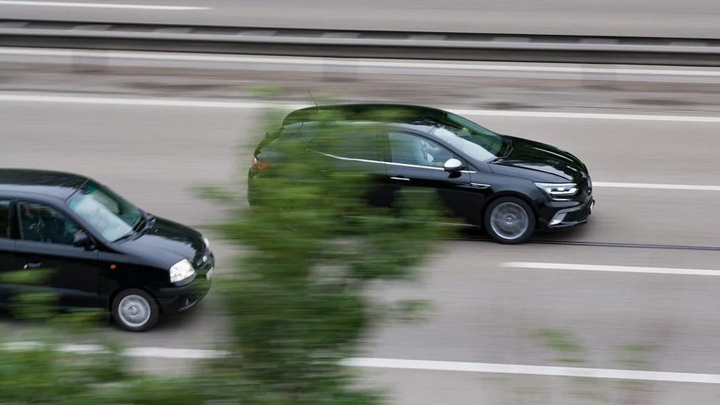Що робити, якщо водій не встигає завершити обгін