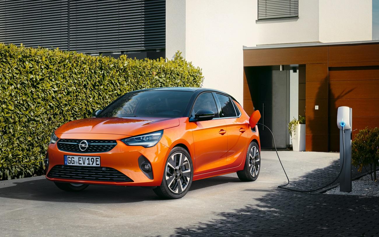 Opel Corsa-e выиграла престижную награду «Золотой руль 2020»