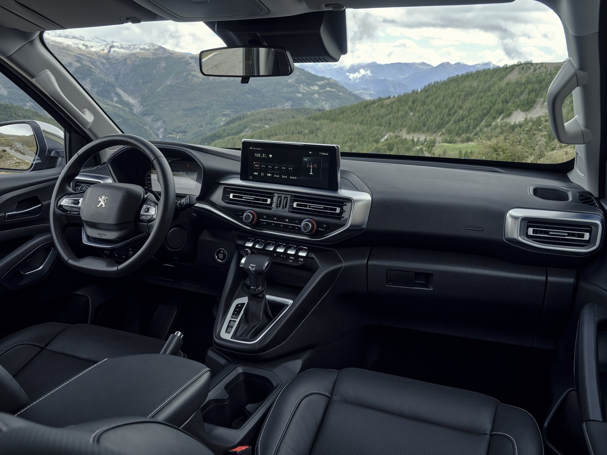 Новий пікап Peugeot Landtrek подолає 26 тисяч кілометрів доріг Латинської Америки