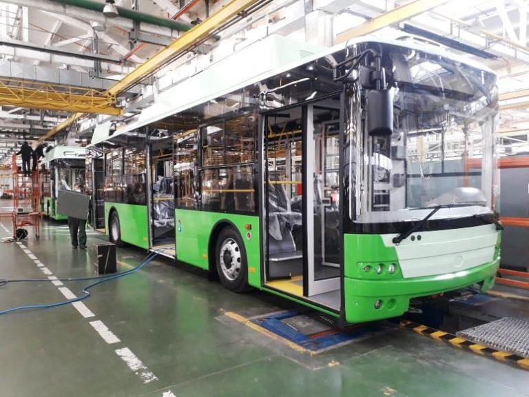 Харьков получил партию новых городских троллейбусов Богдан