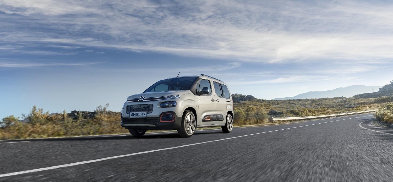 Група PSA в 2021 році запустить електричні версії компактних комерційних фургонів PEUGEOT, CITROЁN, OPEL, Vauxhall
