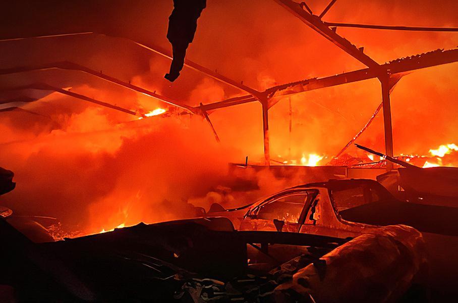 В английском графстве сгорело 70 эксклюзивных суперкаров