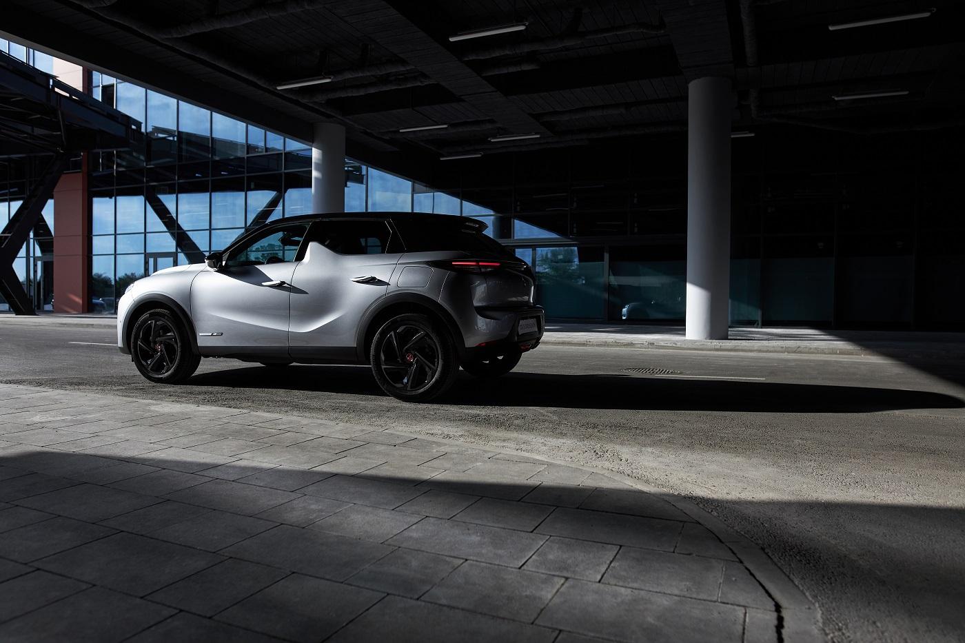 Икона стиля «Хай-Тек» Suv Ds 3 Crossback претендует на престижный титул «Автомобиль года в Украине 2021»