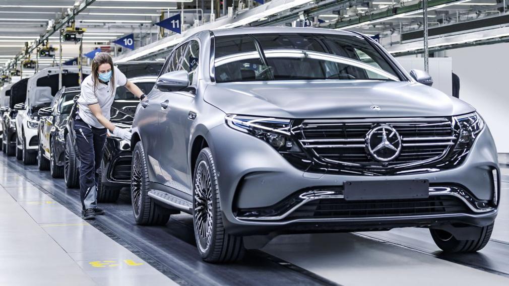Компанія Mercedes-Benz поділилася планами по випуску нових електричних авто