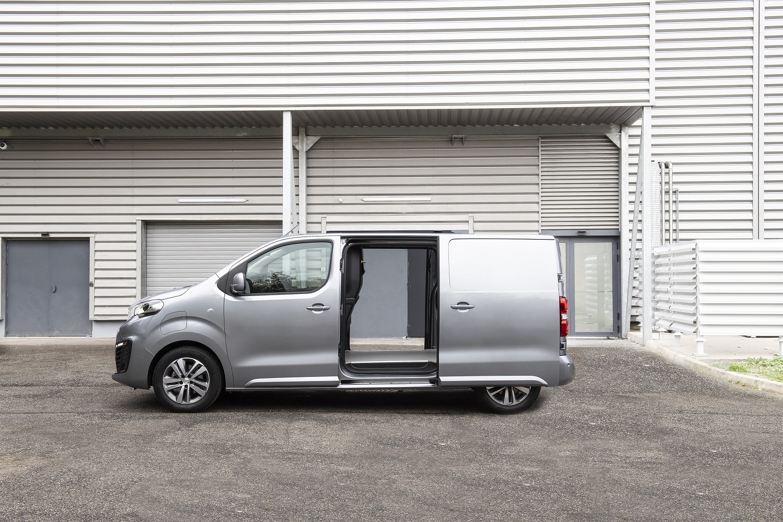 Группа PSA побеждает в конкурсе «International Van of the Year 2021»