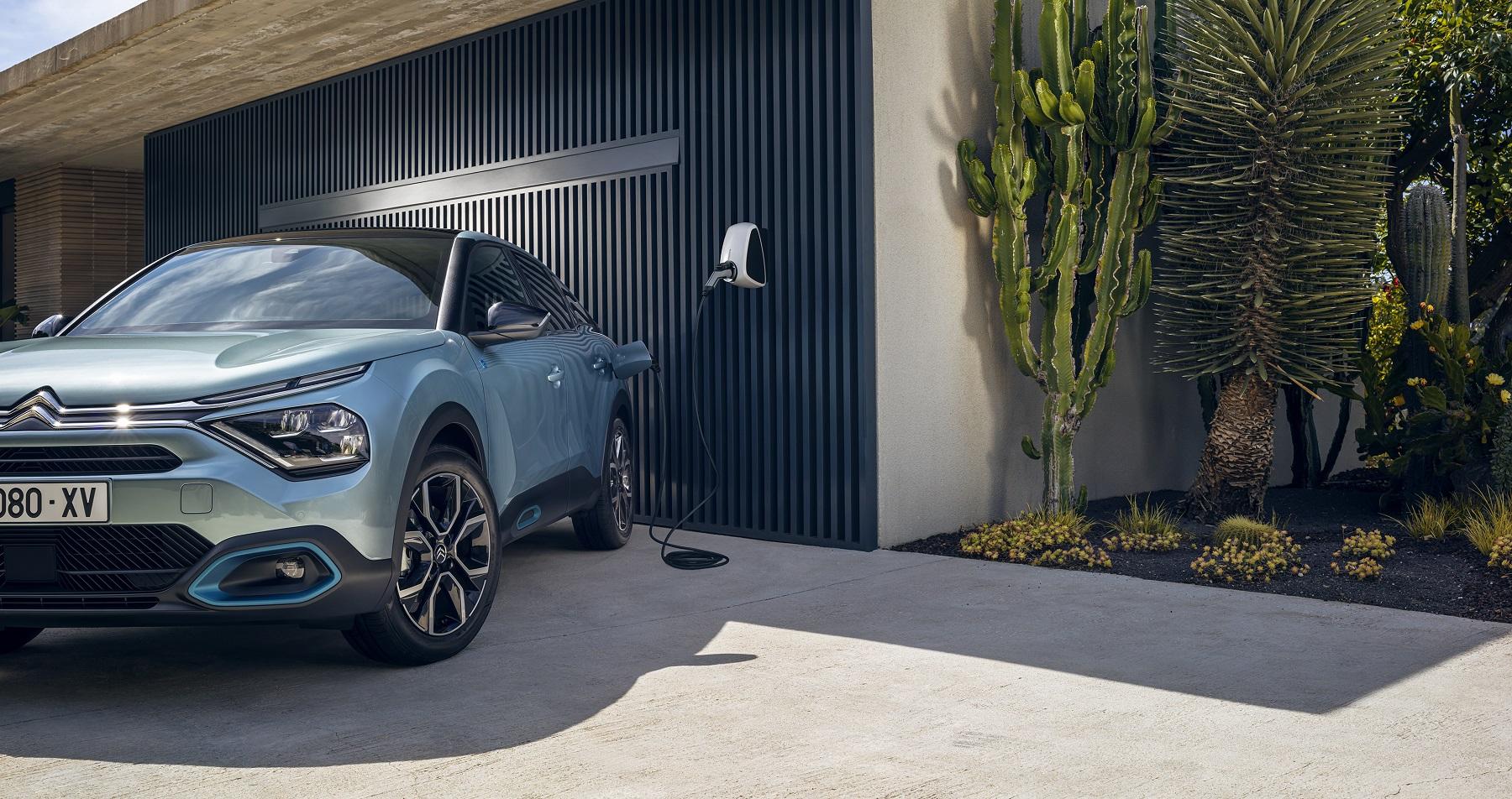 Новий CITROЁN C4 виходить у фінал конкурсу «Автомобіль року 2021»