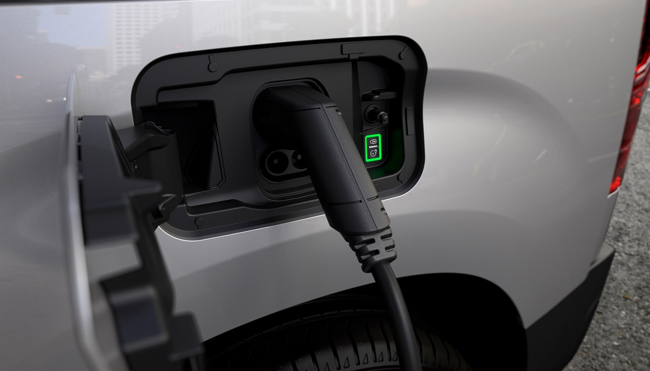 Новый Peugeot E-Partner: все также ваш надежный партнер, но теперь – с электроприводом