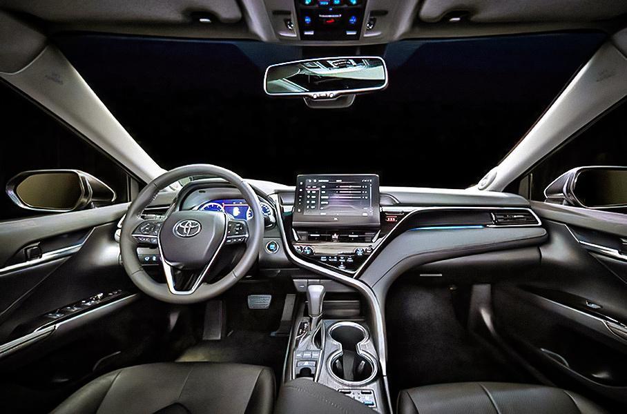 Toyota Camry обновилась с эксклюзивными опциями