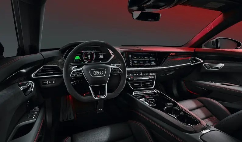 Audi дебютировала со своим электрическим суперседаном