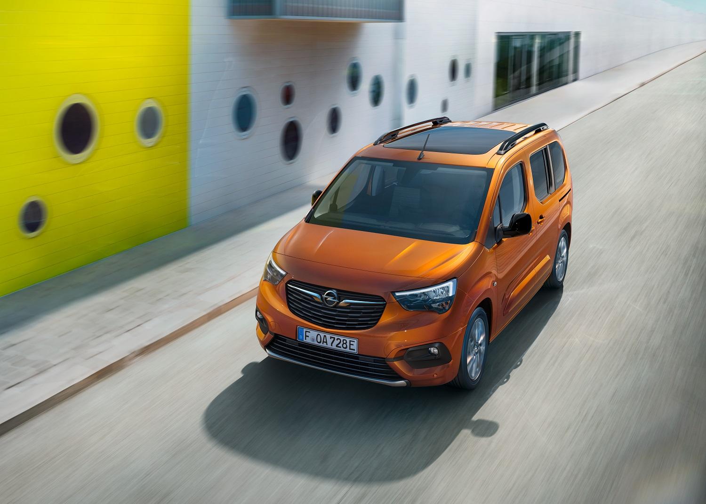 Бренд Opel представляет новый электромобиль – вен Combo-e Life