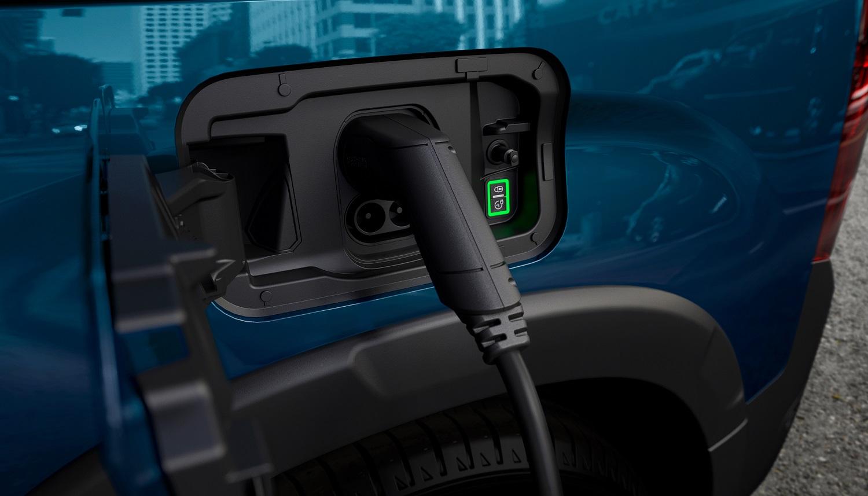 Встречайте новый минивен PEUGEOT e-RIFTER – полностью электрический и максимально универсальный