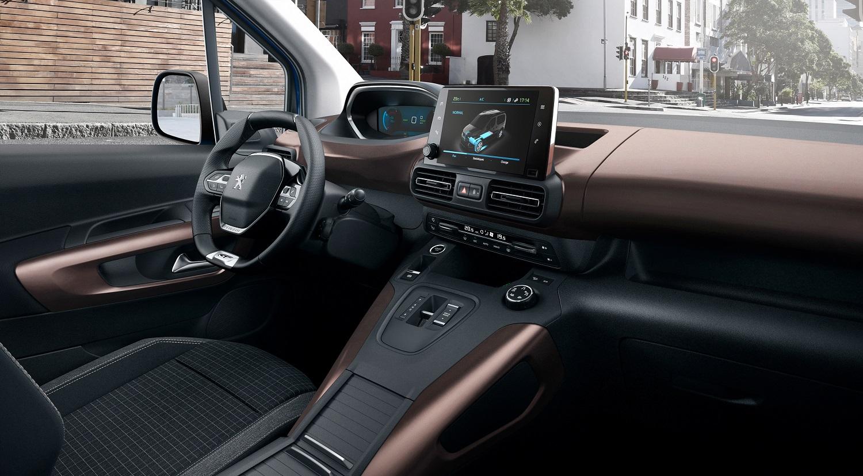 Peugeot представив повністю електричний мінівен