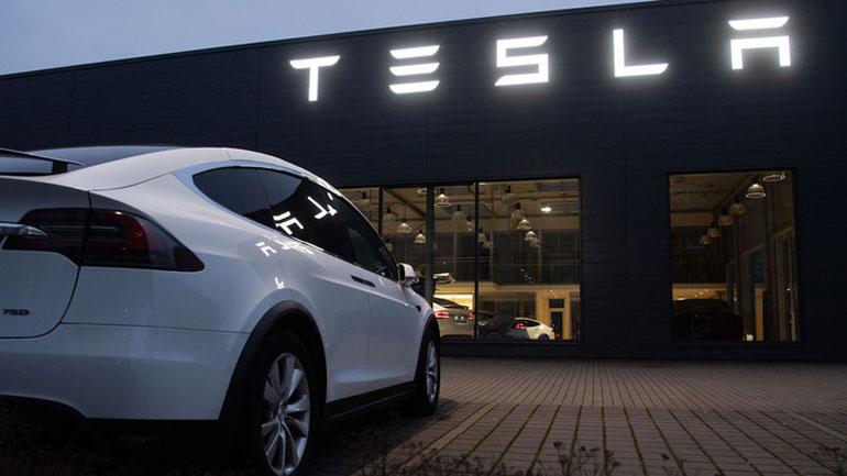 Електрокари Tesla можна буде купити за біткойн