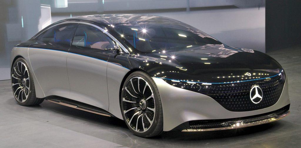 Mercedes-Benz показал интерьер своего будущего электрокара EQS (ВИДЕО)