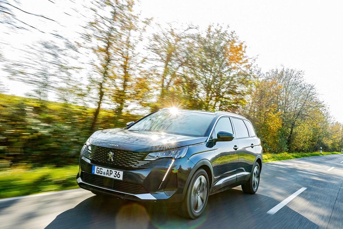 Peugeot представили новий 7-ми місний кросовер