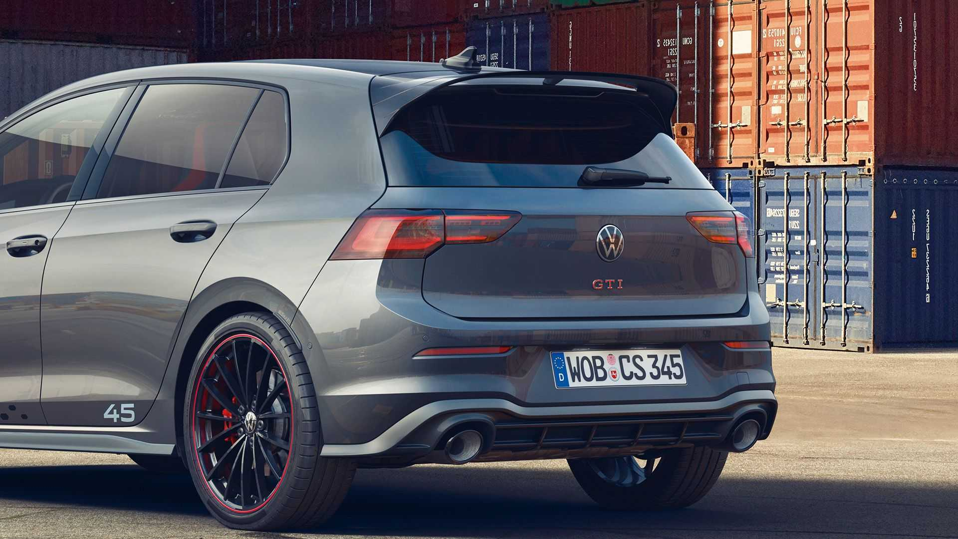 Volkswagen выпустил заряженный Гольф к 45-летию