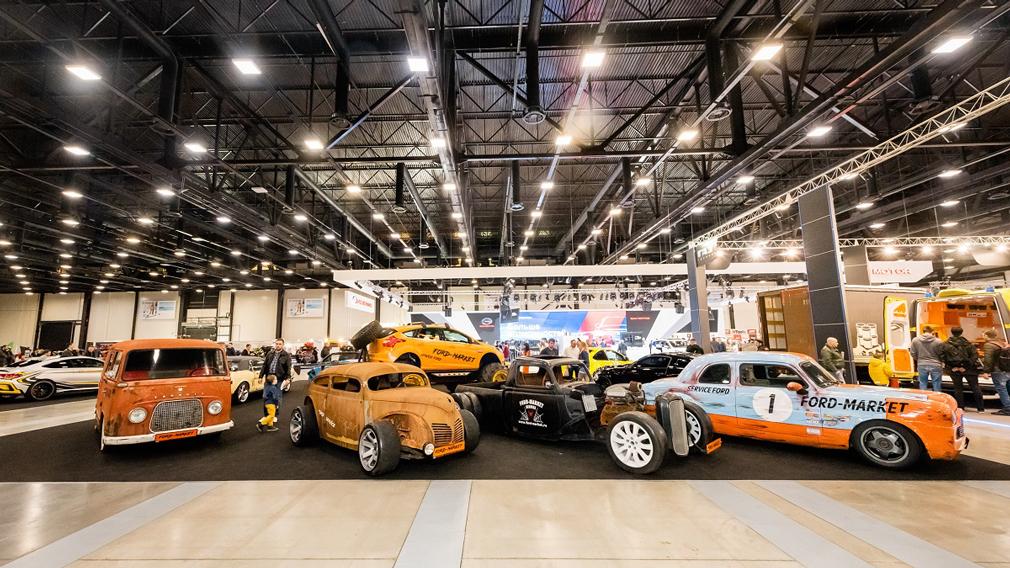 У Росії стартував Петербурзький міжнародний автомобільний салон 2021