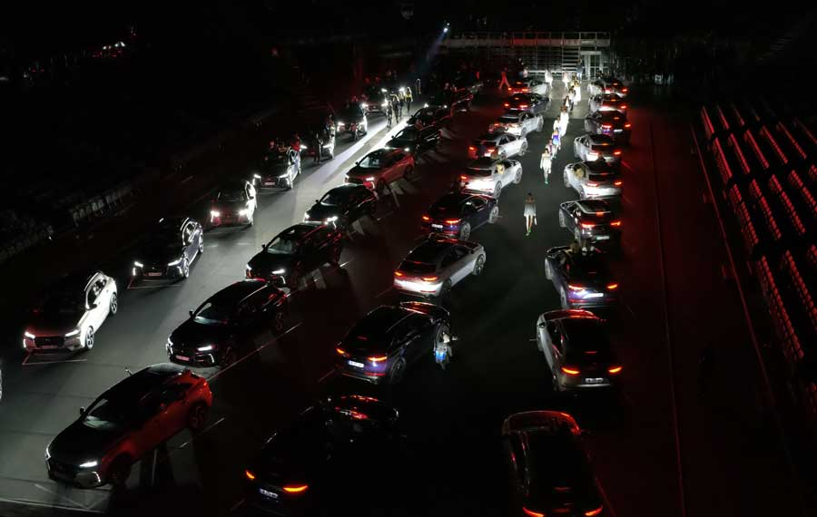 Электромобили и гибриды DS Automobiles на Неделе Моды в Париже