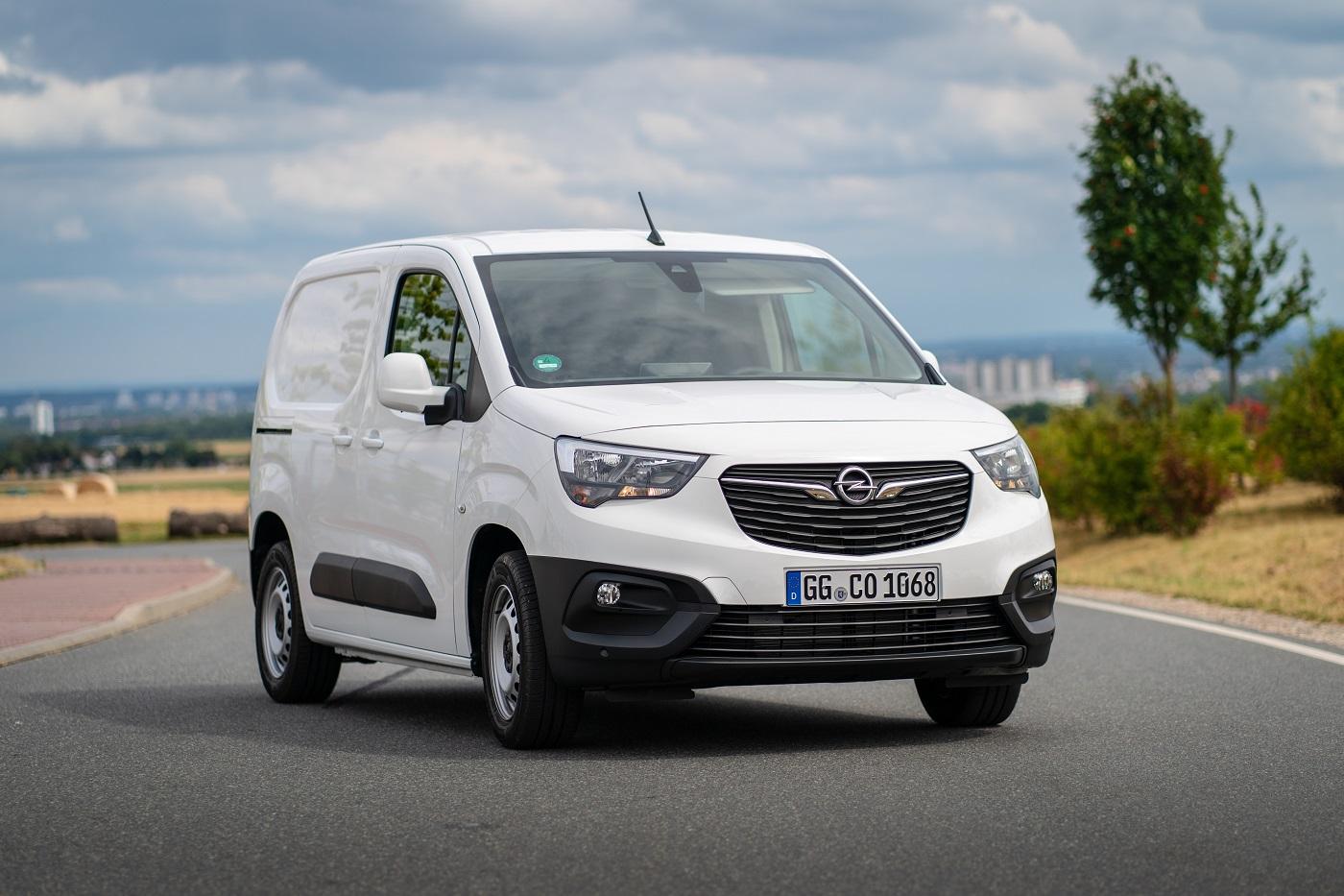 Корпоративный сектор Кременчуга переходит на автомобили бренда Opel