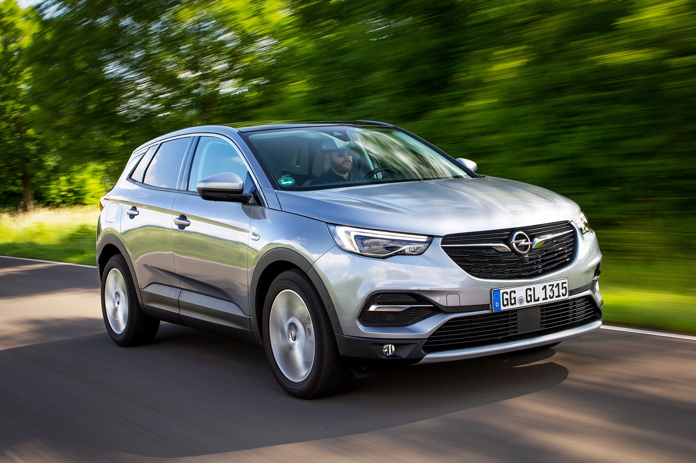 Бренд Opel объявляет о старте специального ценового предложения на SUV-флагман Opel Grandland X