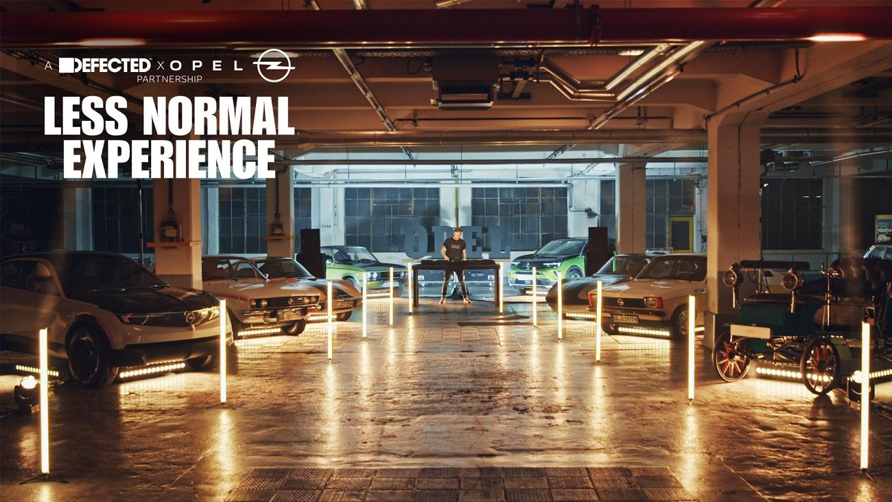 Виртуальная вечеринка «Less Normal Experience», посвященная  Opel Mokka