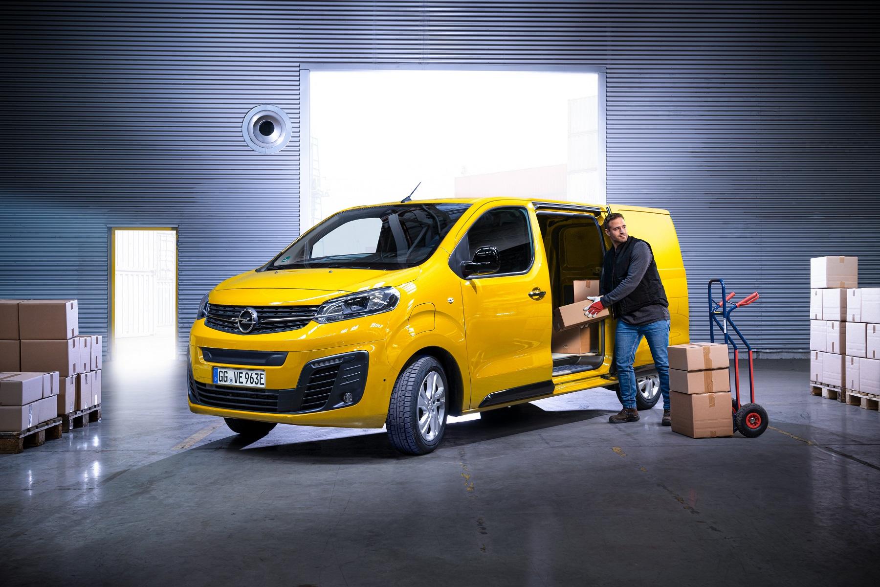 Компания British Gas заказала 2 000 новых полностью электрических фургонов Vivaro-e для своих инженеров
