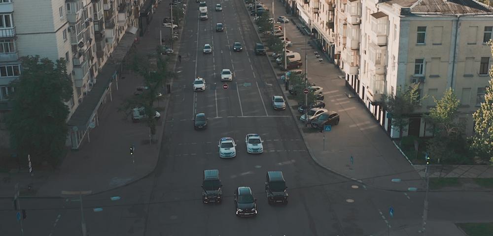 Преміальний DS 7 Crossback  в центрі «Президентського кортежа» на вулицях Києва