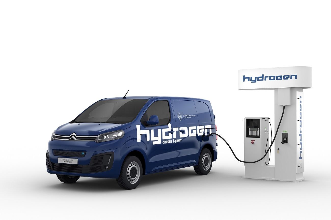Citroën предлагает полный модельный ряд электрифицированных коммерческих фургонов