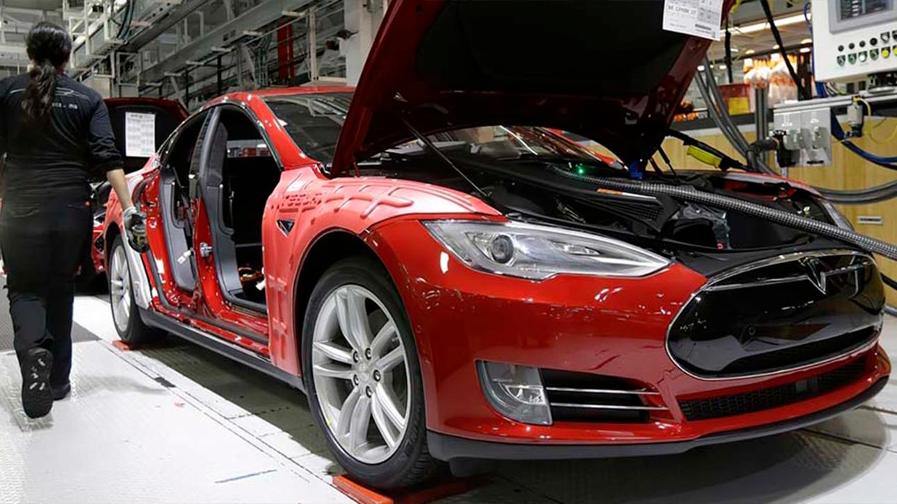 Автоконцерни втратять більше 100 млрд доларів в 2021 році через дефіцит напівпровідників