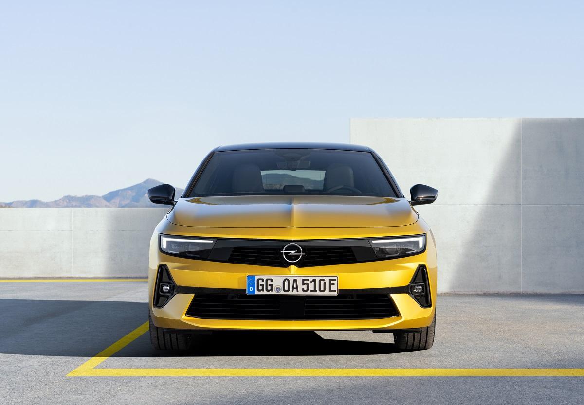 Новое поколение Opel Astra: уверенный, динамичный, электрифицированный хэтчбек