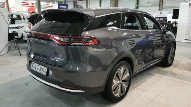 Топ-5 моделей китайских электромобилей которые были представлены на выставке Plug-In Ukraine 2021