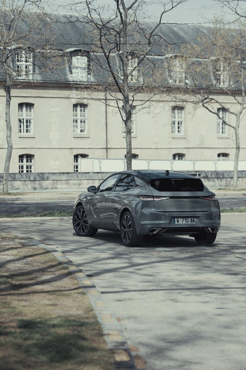 Розсекречені комплектації нового крос-купе DS 4 для України