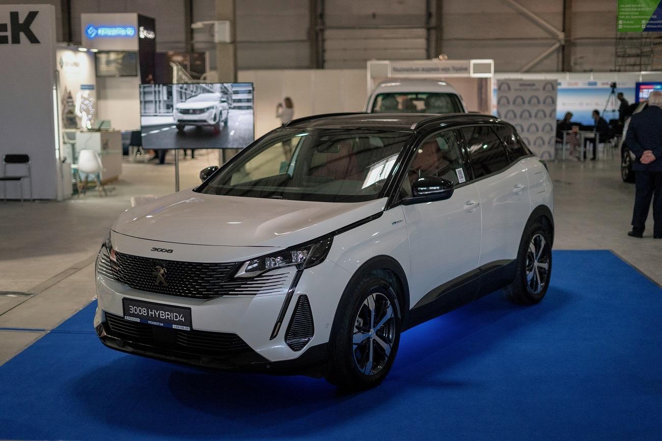 Бренди PEUGEOT і DS Automobiles представляють на виставці Plug-In Ukraine власні гібриди
